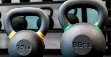 mejores-ejercicios-con-pesas-ketlebell-1024x683